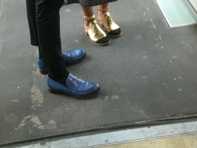 Schuhe auf der Art Basel