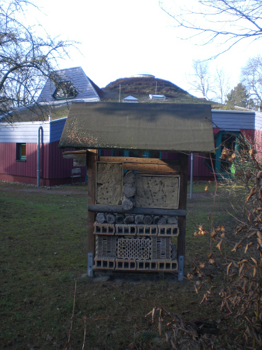 Insektenhotel und Kindergarten