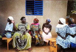 Rakieta Sawadogo-Poyga klärt über Genitalverstümmelung auf.