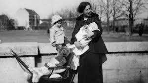 Dora Lux mit ihren beiden Kindern, um 1920, Bild: www.morgenweb.de