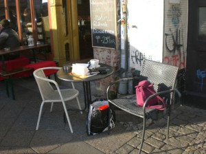 Everything´s  all right: 23.12.2013, Sonne, 16°, coffee & cake in Berlin-Kreuzberg. ©Berlin-Woman