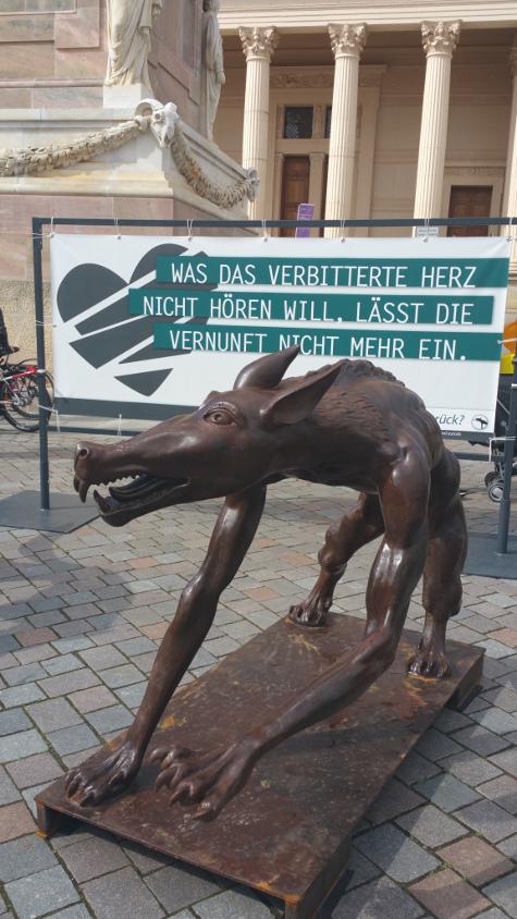 Die Wölfe sind zuück? Am Alten Markt Potsdam ©Berlin-Woman